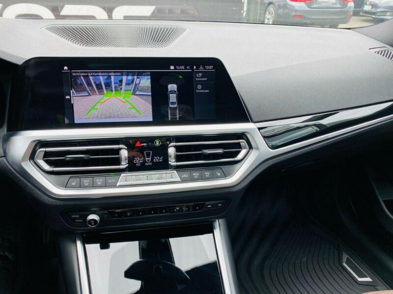 BMW 330 - image 4