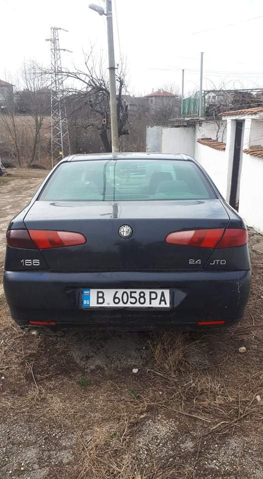 Alfa Romeo 166 - image 4