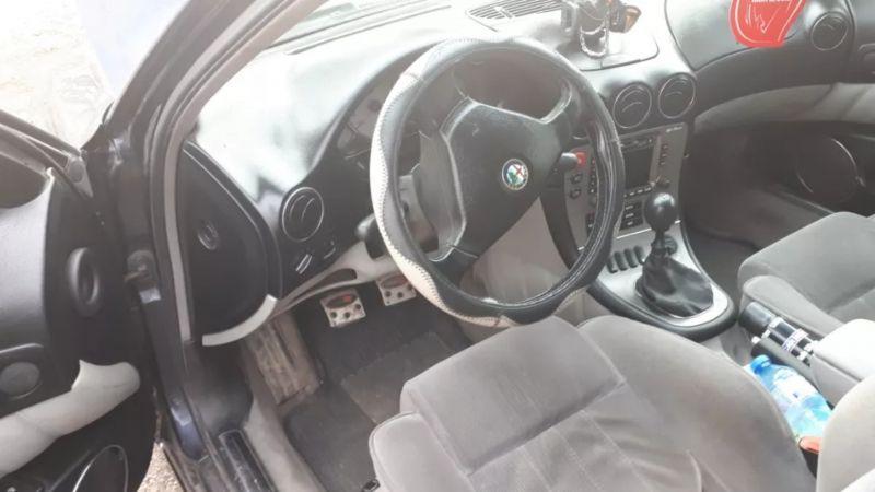 Alfa Romeo 166 - image 11