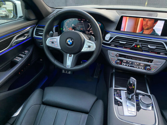 BMW 740 - image 7