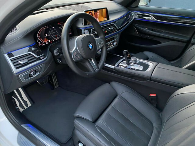 BMW 740 - image 11