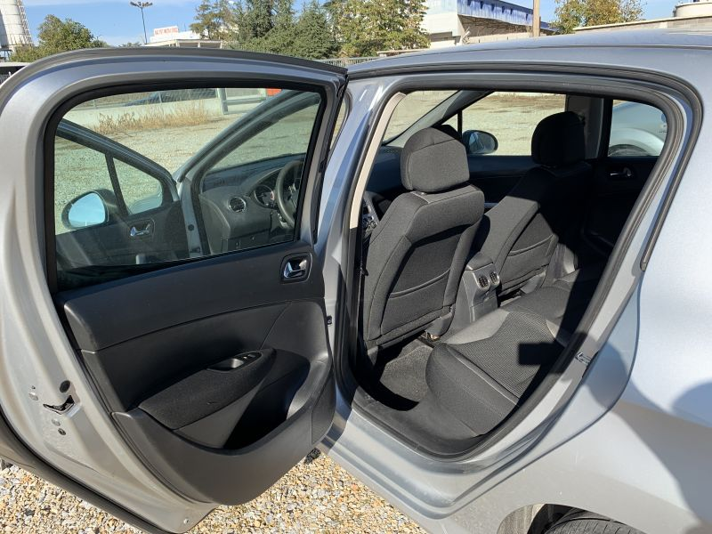Peugeot 308 - image 8