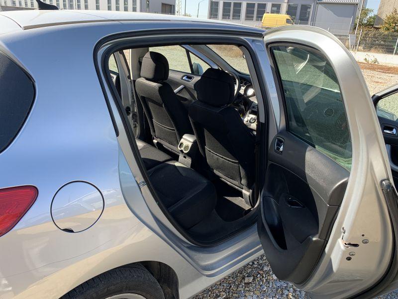 Peugeot 308 - image 10