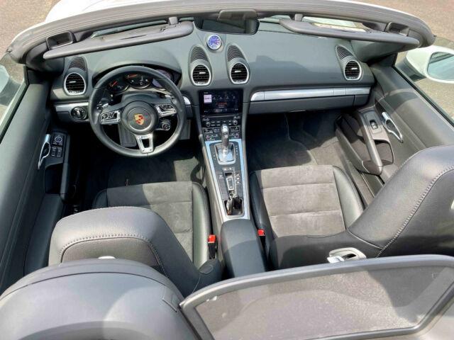 Porsche Boxster - image 9
