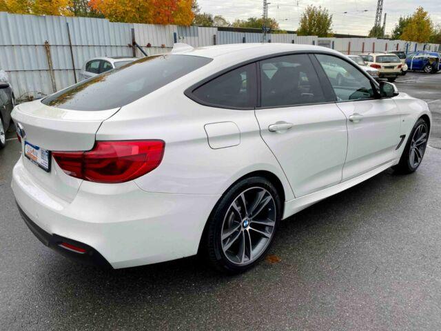 BMW 320 - image 12