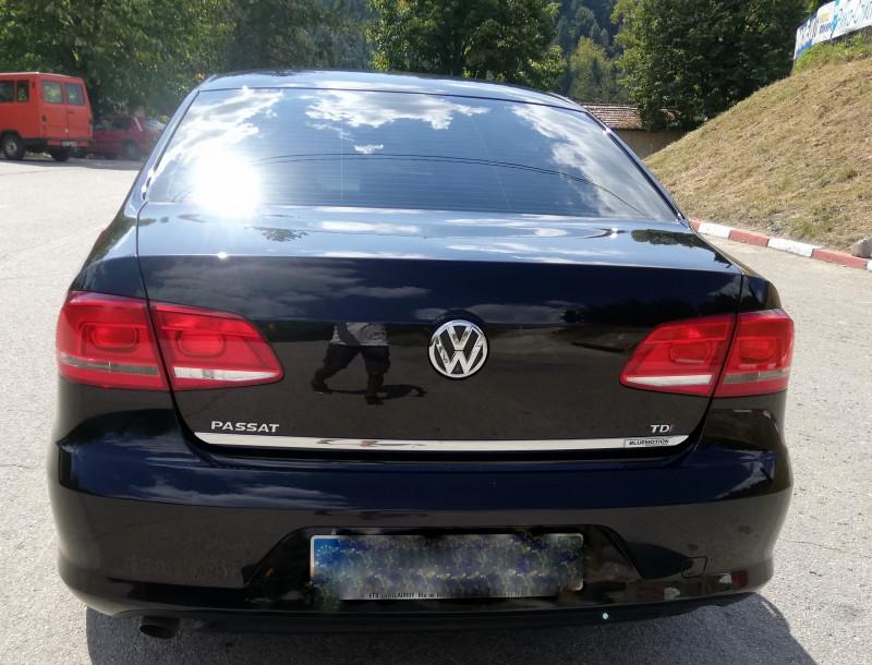 VW Passat - image 6
