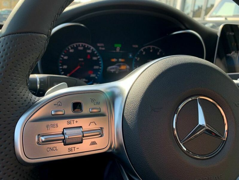 Mercedes-Benz C 200 - image 4