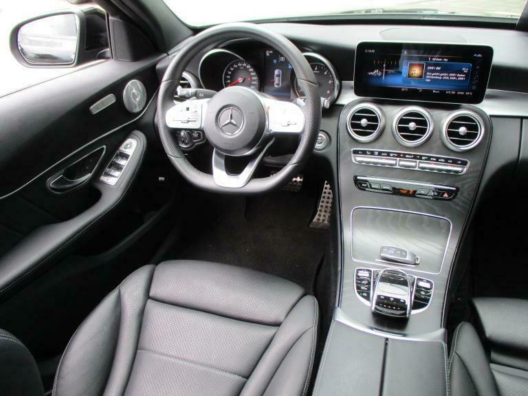 Mercedes-Benz C 300 - image 10