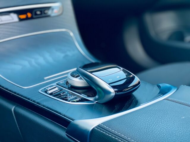 Mercedes-Benz C 200 - image 9