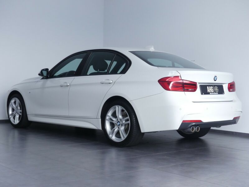 BMW 335 - image 10