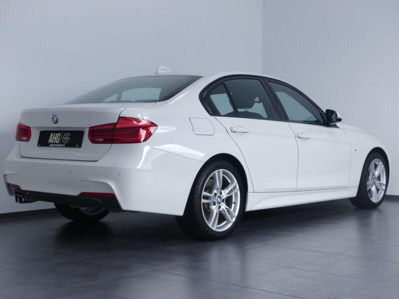 BMW 335 - image 12