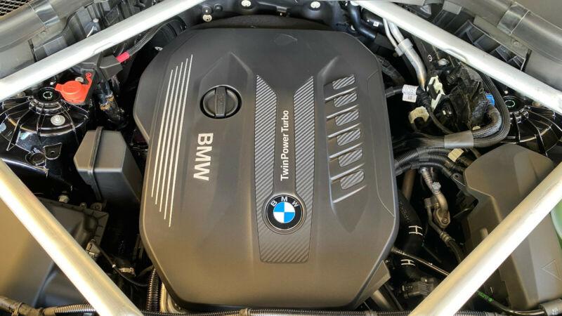 BMW X6 - image 12