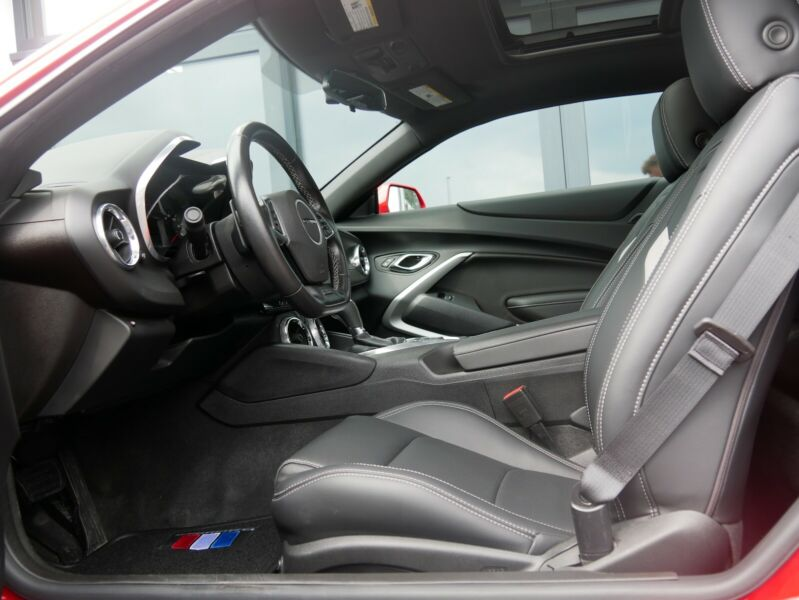 Chevrolet Camaro - image 6
