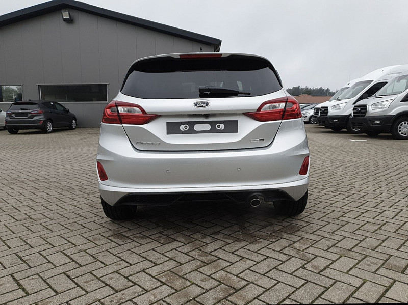 Ford Fiesta - image 4