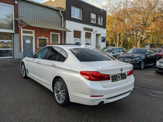 BMW 520 - image 2