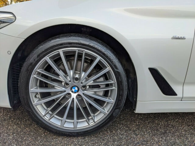 BMW 520 - image 3