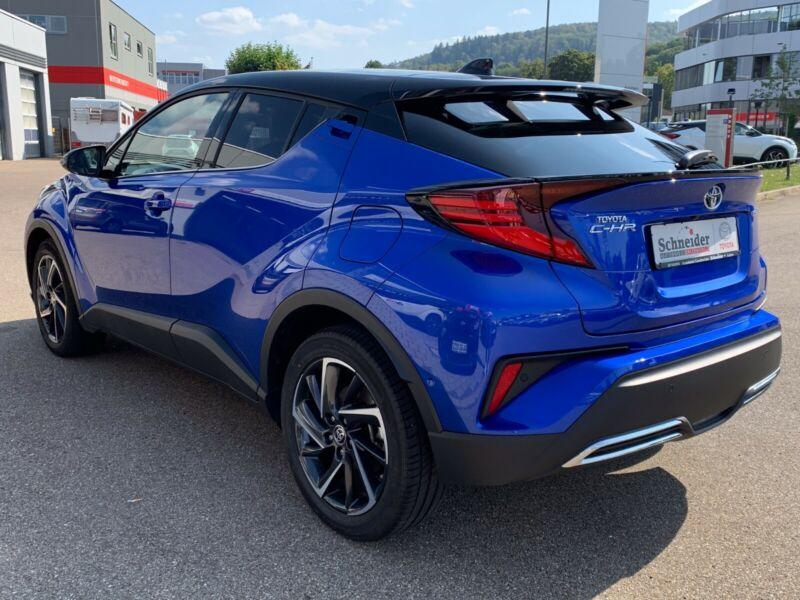 Toyota C-HR - image 8