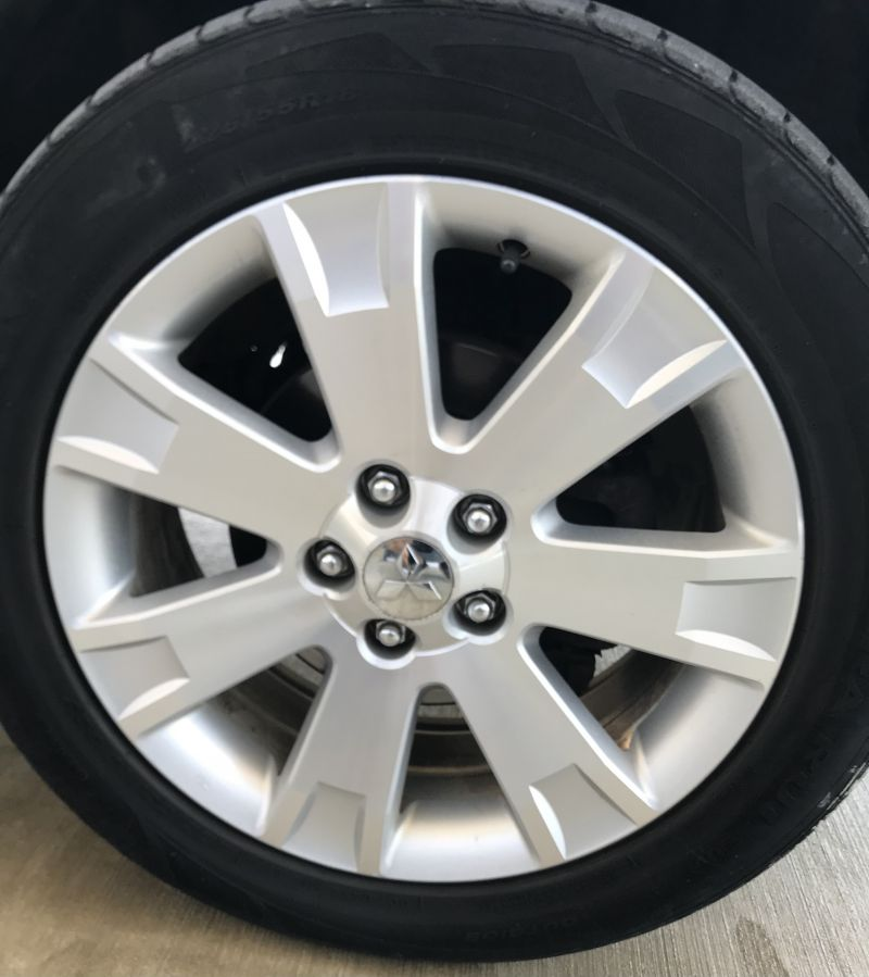 Mitsubishi Outlander - image 14