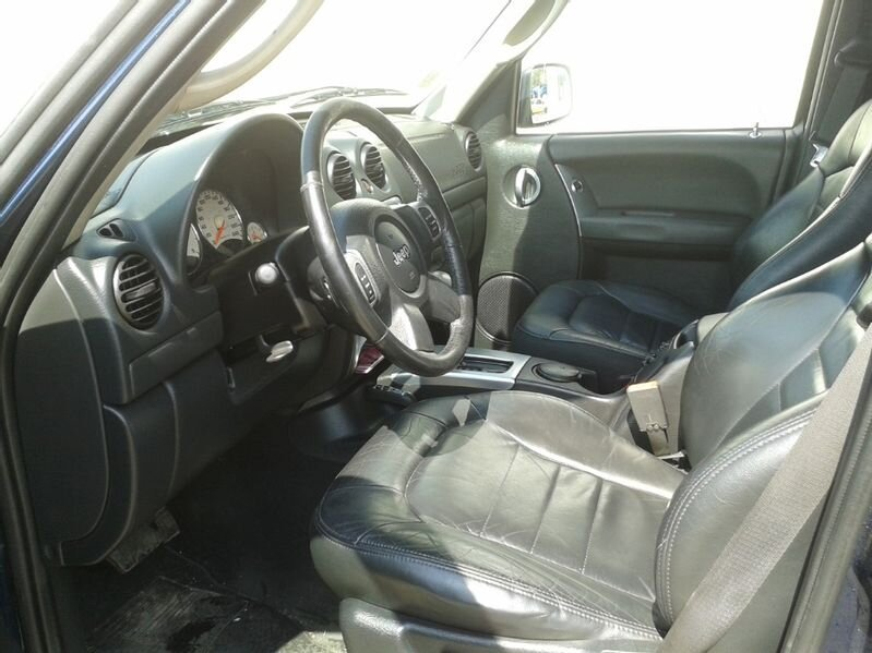 Jeep Cherokee - image 9