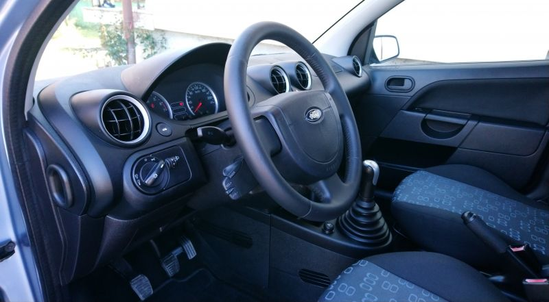 Ford Fiesta - image 6