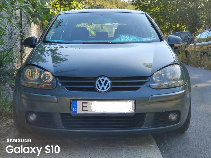 VW Golf - image 1