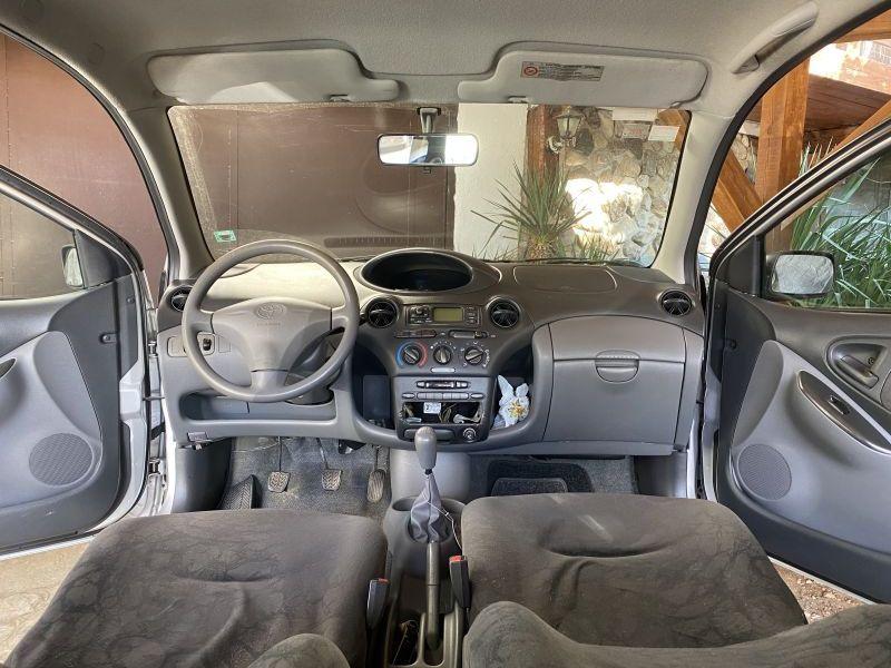 Toyota Venza - image 5