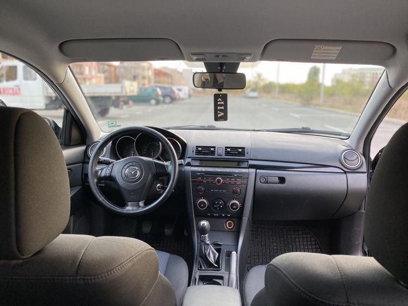Mazda 3 - image 7