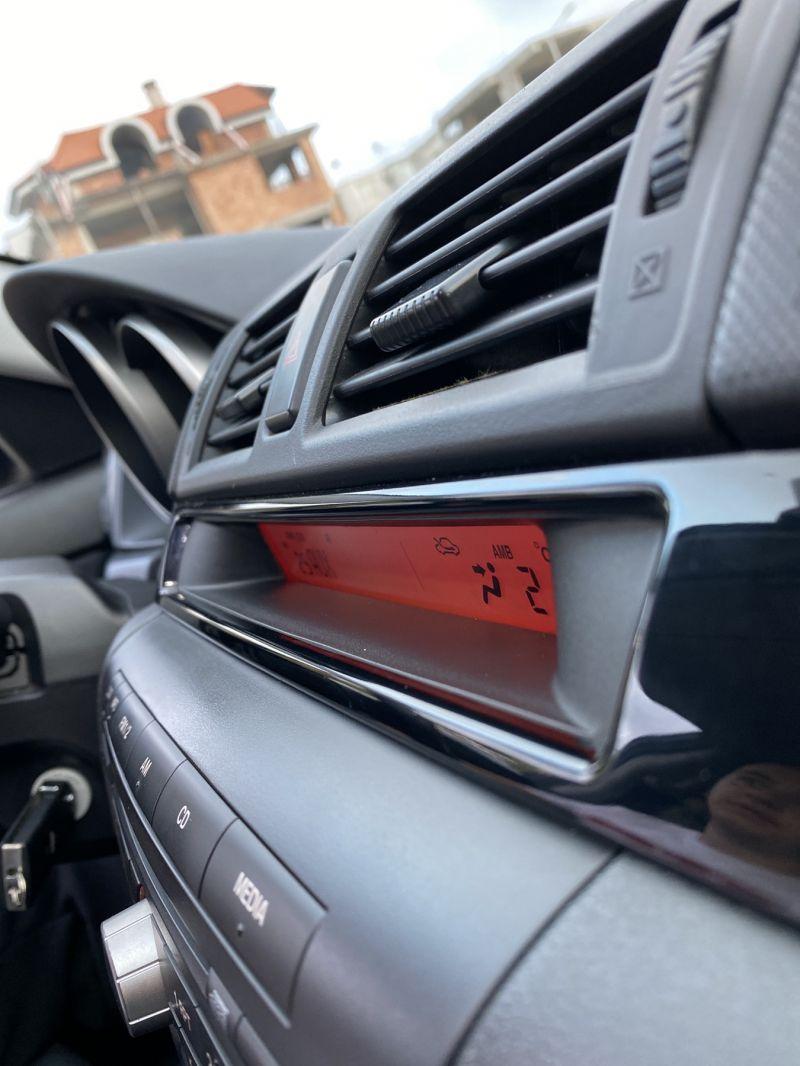 Mazda 3 - image 14