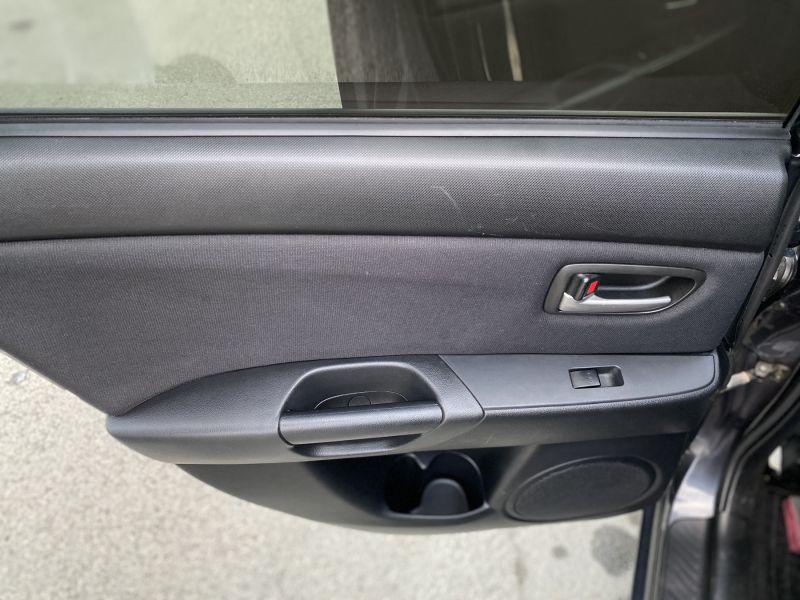 Mazda 3 - image 12