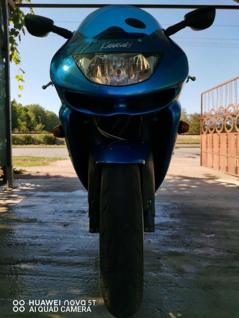 1- Kawasaki Zxr