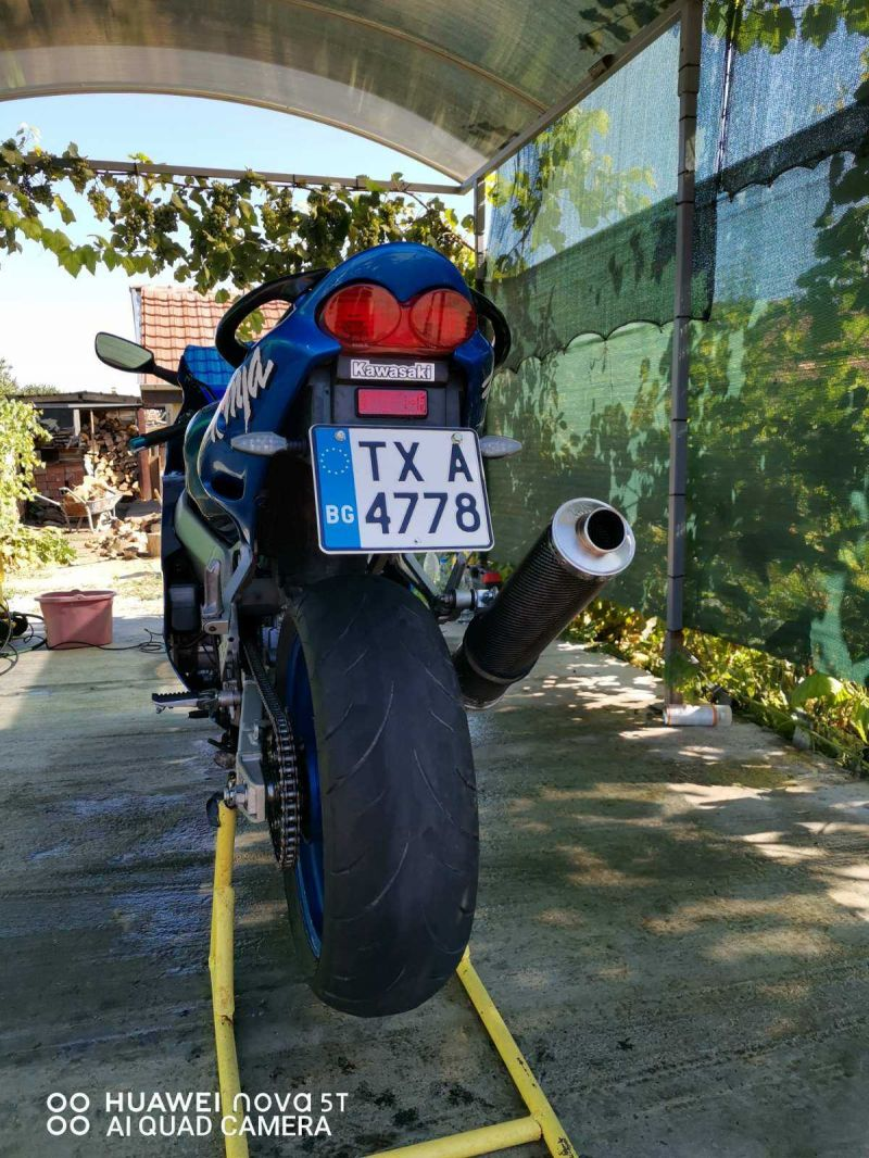 2- Kawasaki Zxr