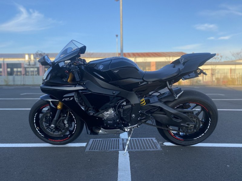 5- Yamaha YZF-R1
