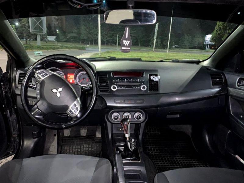 Mitsubishi Lancer - image 8