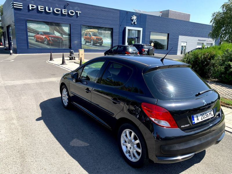 Peugeot 207 - image 3