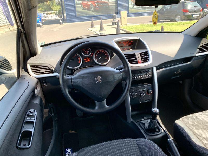 Peugeot 207 - image 5