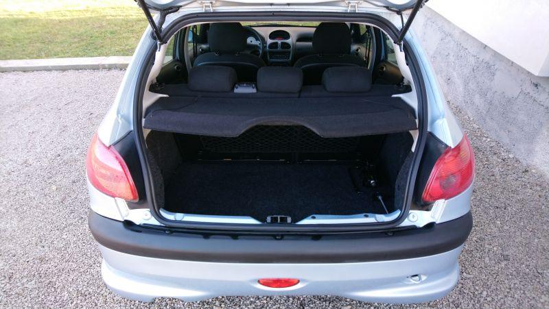 Peugeot 206 - image 8