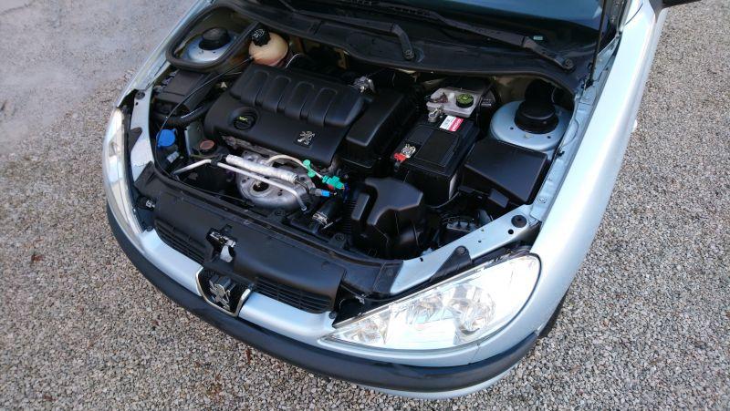 Peugeot 206 - image 11