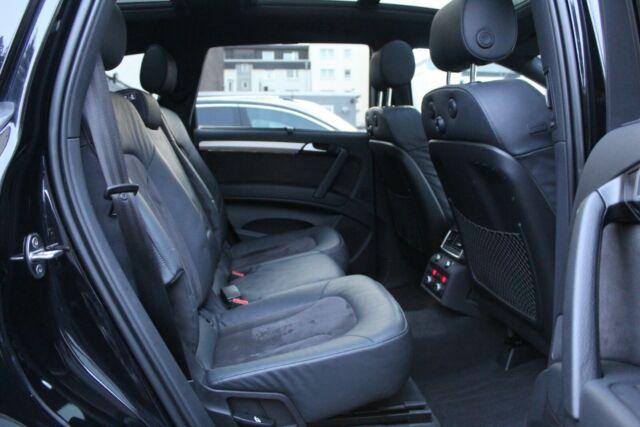 Audi Q7 - image 10
