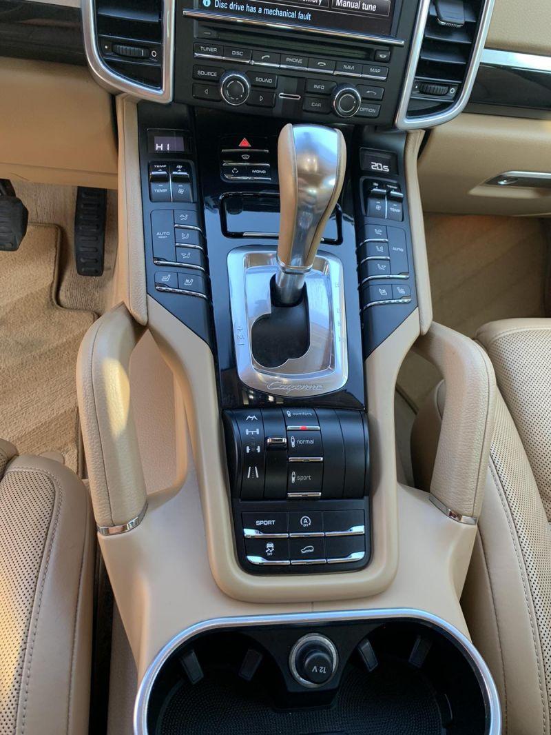 Porsche Cayenne - image 10