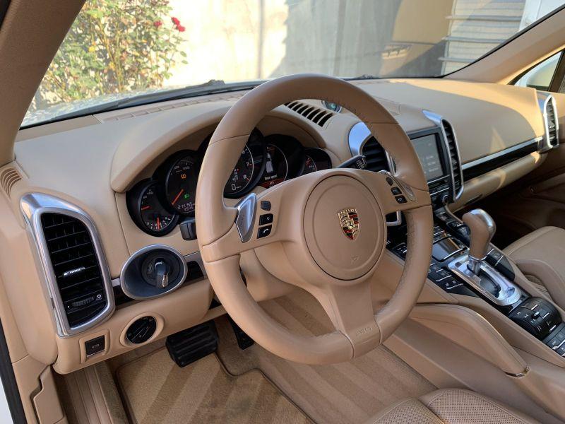 Porsche Cayenne - image 9