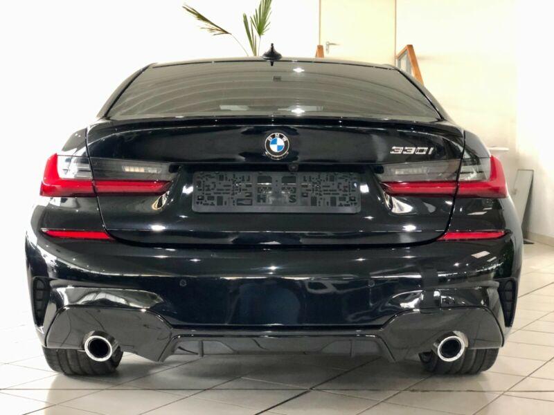 BMW 330 - image 9