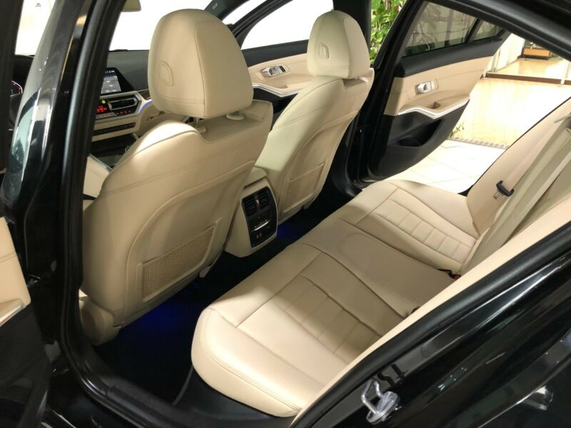BMW 330 - image 12
