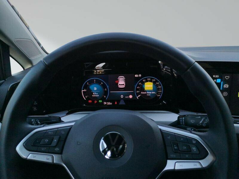 VW Golf - image 2