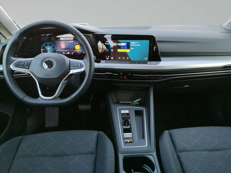 VW Golf - image 6