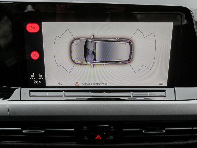 VW Golf - image 4
