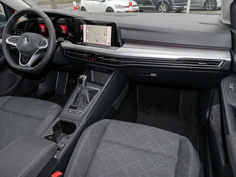VW Golf - image 7