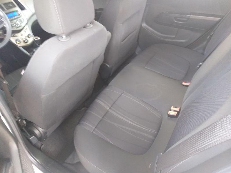 Chevrolet Aveo - image 8