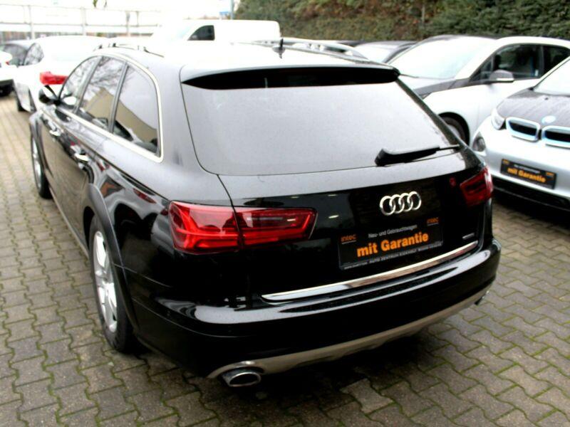 Audi A6 Allroad - image 11