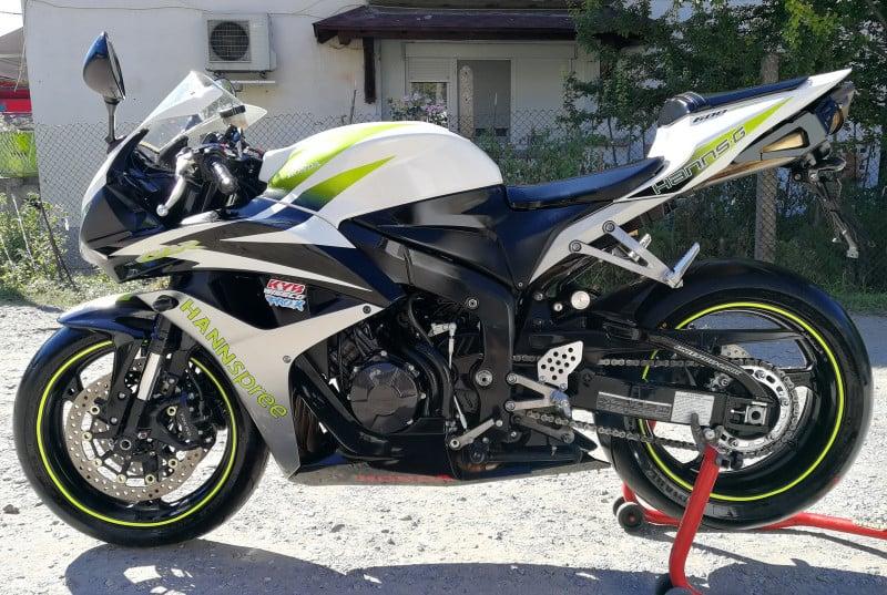 2- Honda Cbr