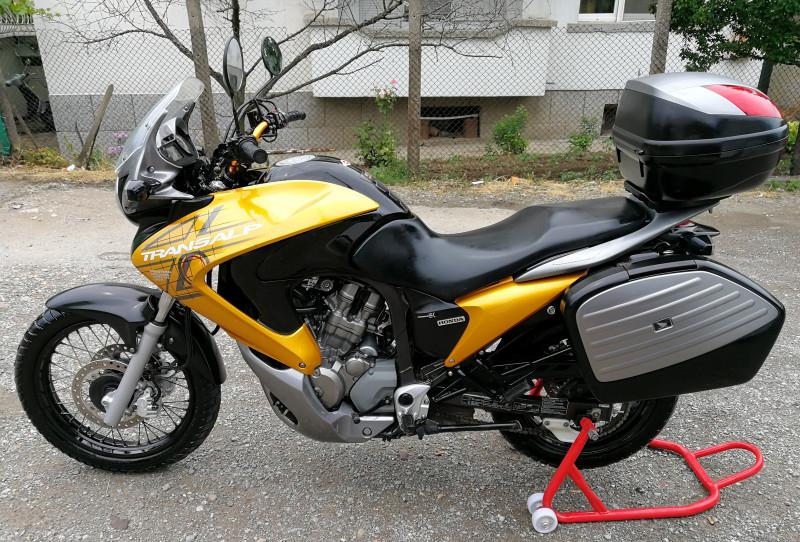 2- Honda Xlv